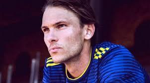 Il centrocampista Ekdal contro l'omofobia in un video-denuncia
