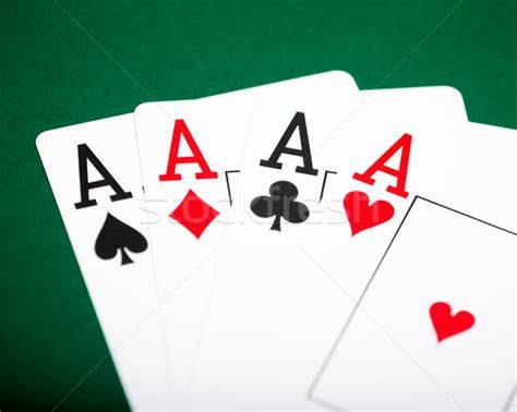 Poker per Sofia Goggi ...e non solo!