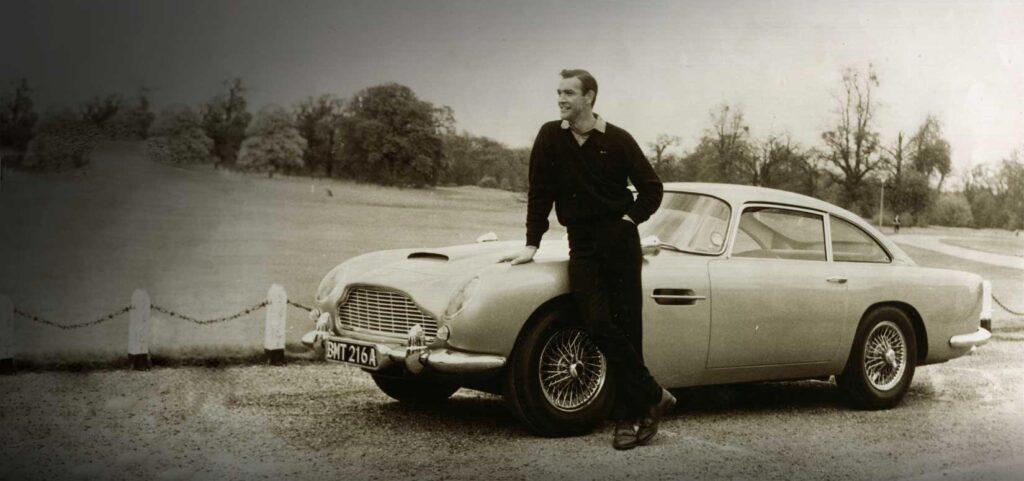 """L'INTRAMONTABILE FASCINO DELLA """"Aston Martin DB5"""""""